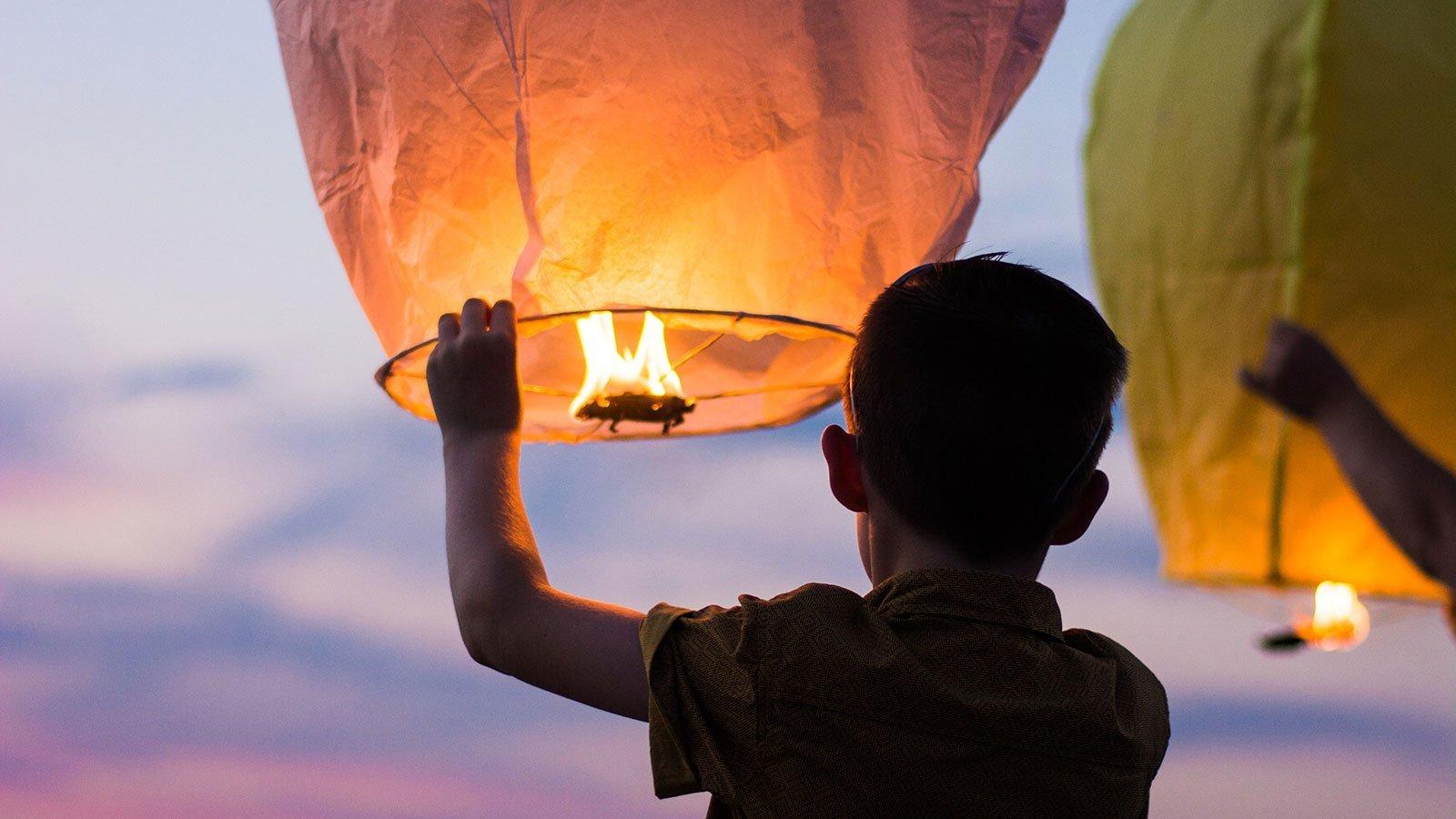 Byg din egen varmluftballon. Foto: Gianandrea Villa / Unspash