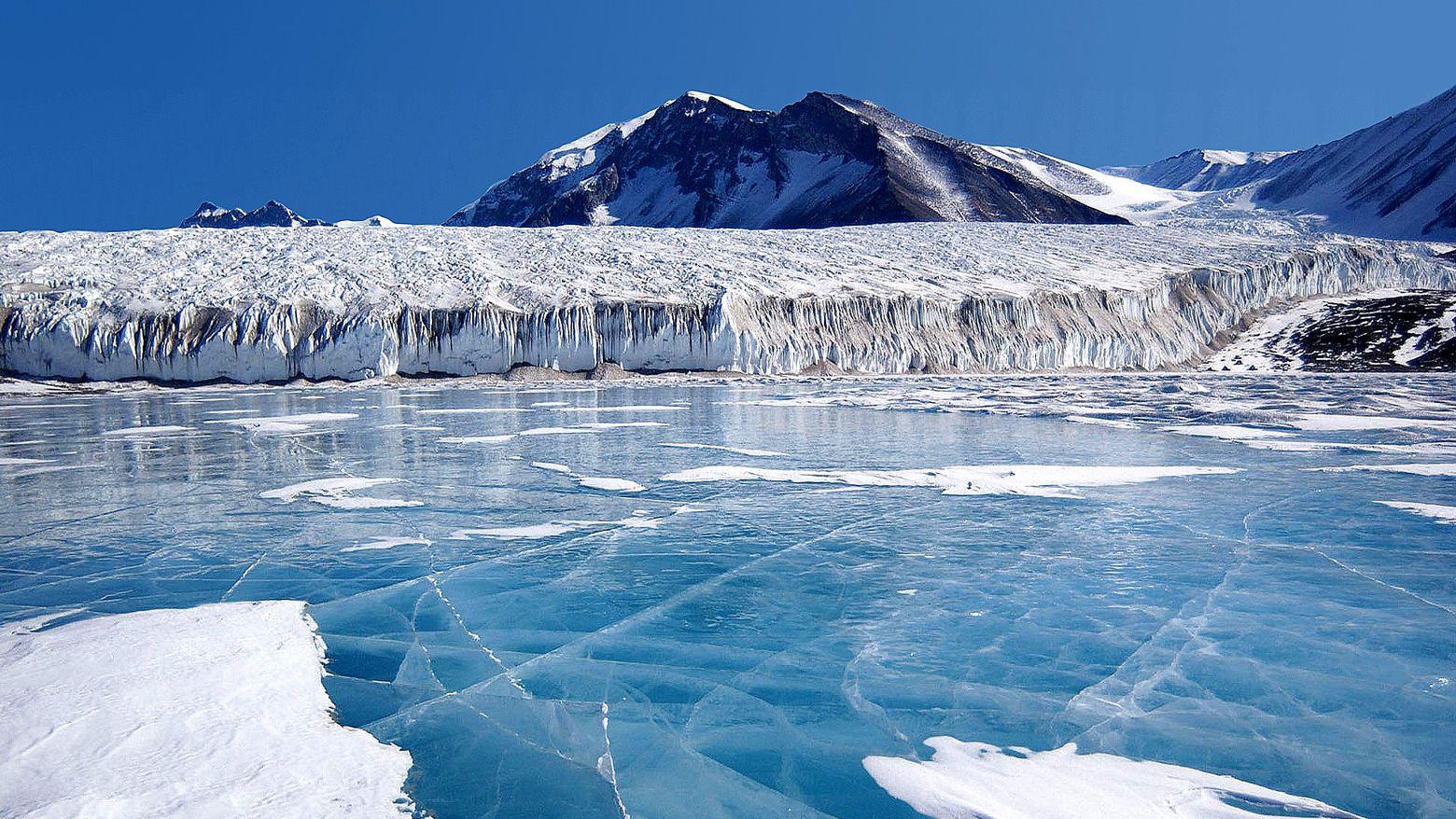 Mængden af is og sne på Jorden har stor betydning for klimaet, da is og sne reflekterer noget af Solens stråling. Læs mere om is og snes betydning her.