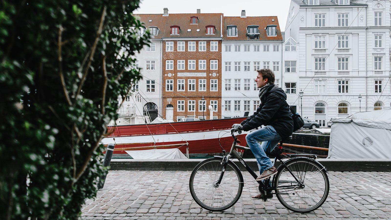 Smart city - smarte byer. Foto: Unsplash/Omar Yassen.