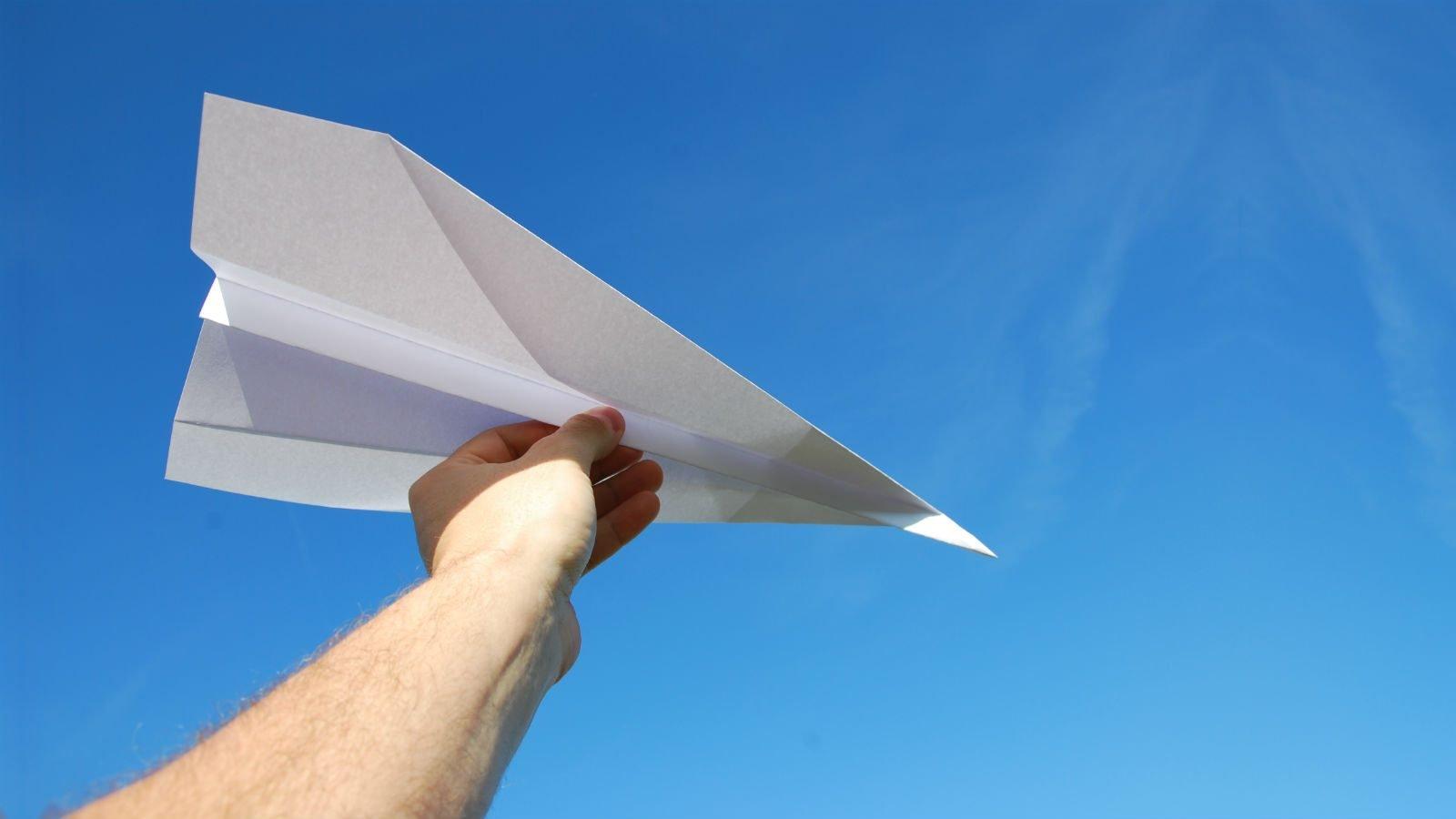 Papirfly: Byg en papirflyver der svæver langt