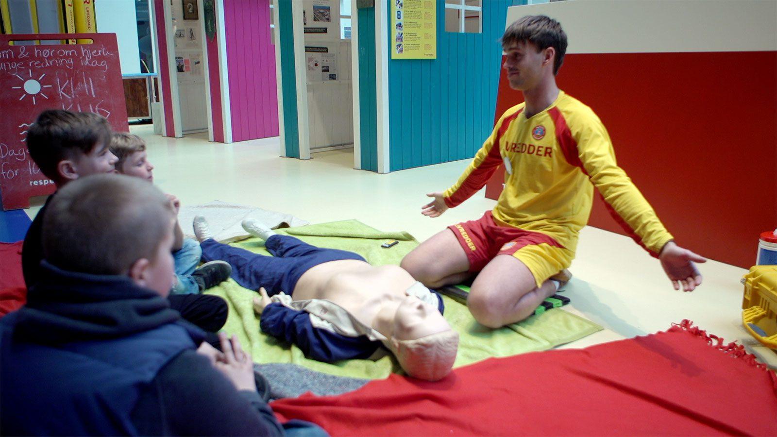 h248r om hjertelungeredning kan du f248rstehj230lp og redde liv
