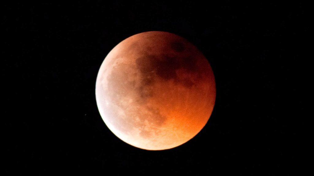 Total måneformørkelse blodmåne
