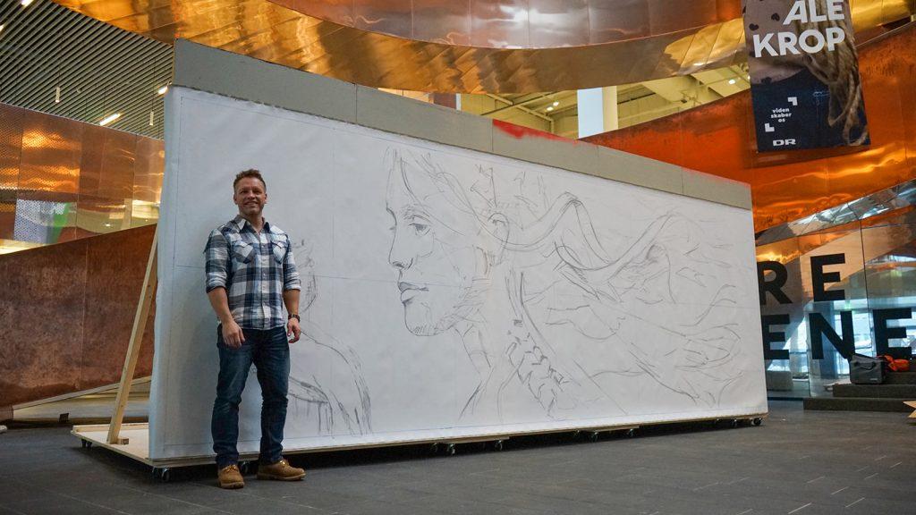 Kunstneren Jesper Kikkenborg maler i løbet af uge 7 og 8 et 6 meter langt maleri i Experimentariums forhal.
