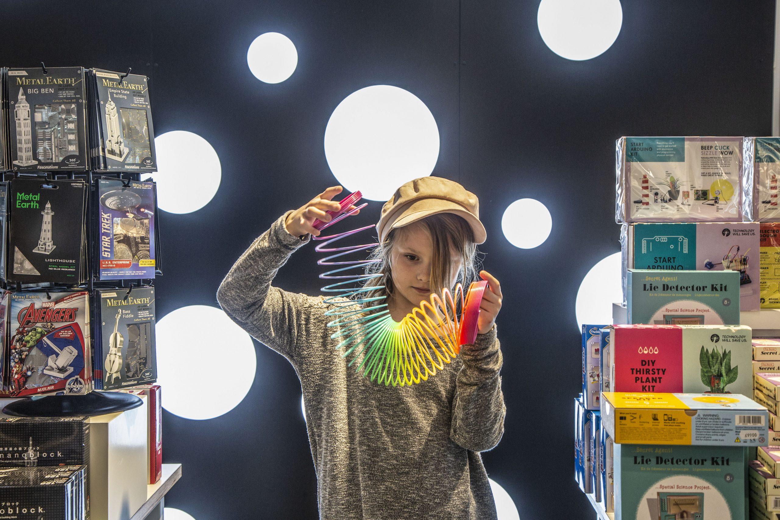 Kuglebane og flyvende lamper: Besøg butikken